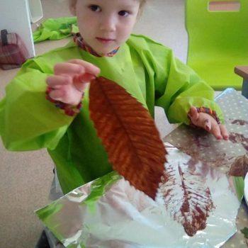 Little Owls Day Nursery Leaf Printing (3)