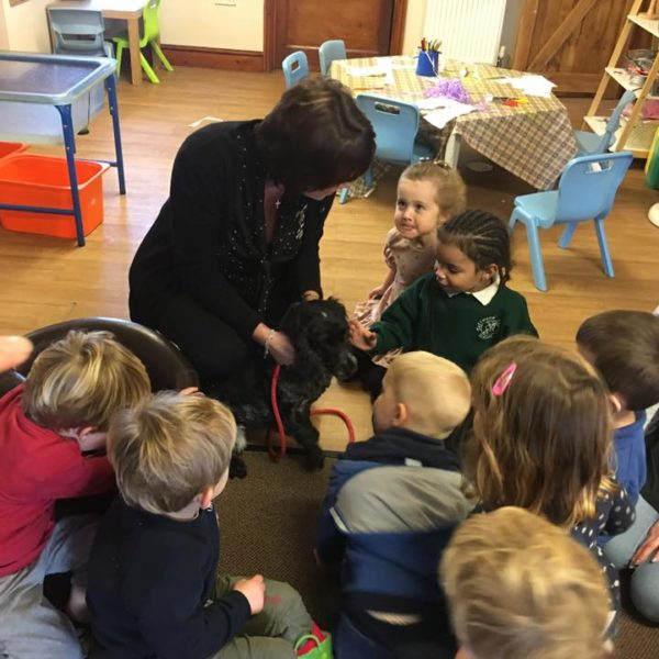 Little Owls Day Nursery Has A Visit From A Vet (1)