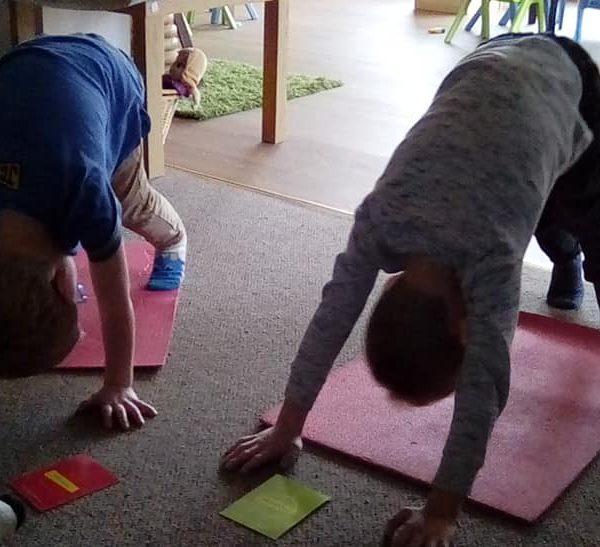 Little Owls Nurasey Norwich Doing Mini Me Yoga (1)