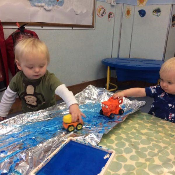 Little Owls Nursery Near Norwich Getting Messy With Paint (1)