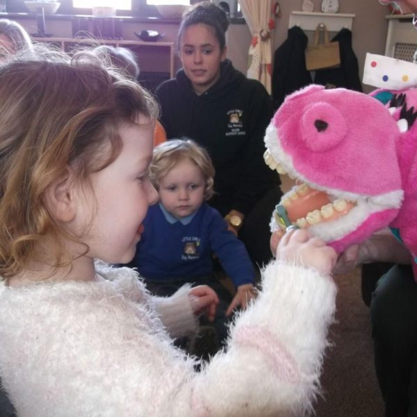 Dipsey The Dinosaur Visits Our Little Owls Day Nursery (1)