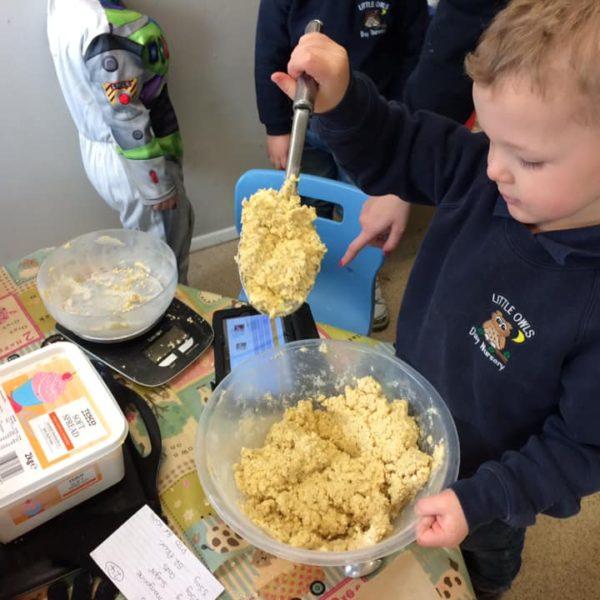 Healthy Baking At Little Owls Day Nursery Near Norwich (1)
