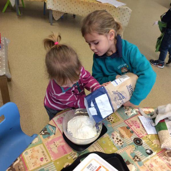 Healthy Baking At Little Owls Day Nursery Near Norwich (11)
