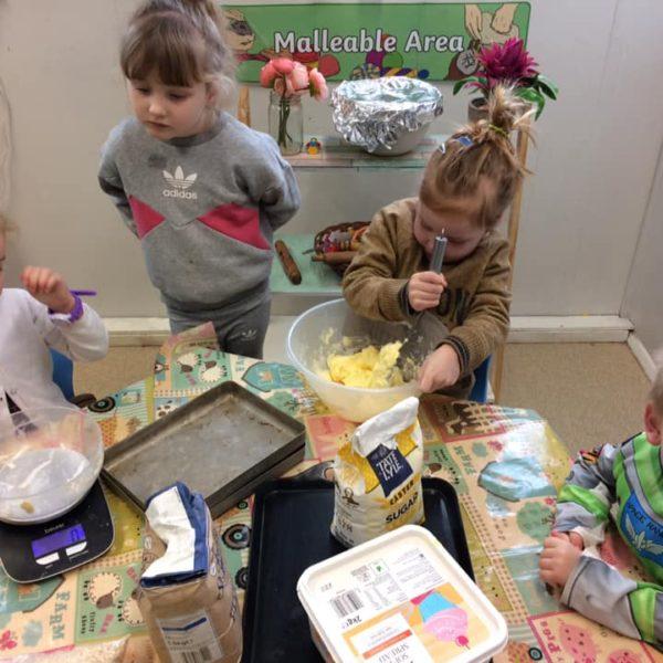 Healthy Baking At Little Owls Day Nursery Near Norwich (2)
