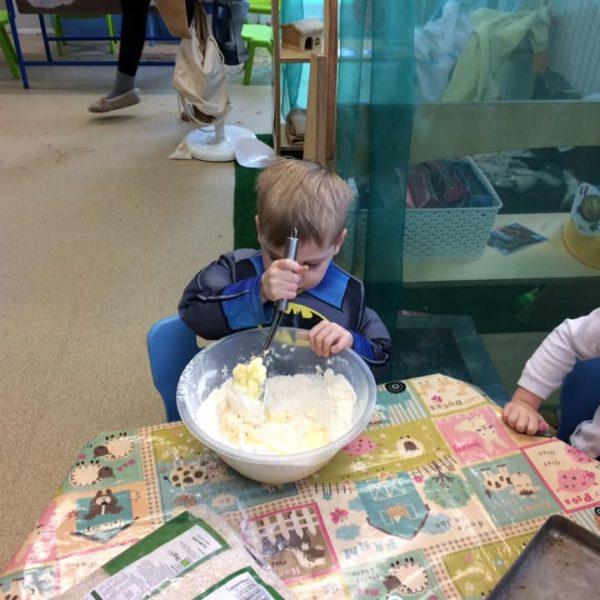 Healthy Baking At Little Owls Day Nursery Near Norwich (5)