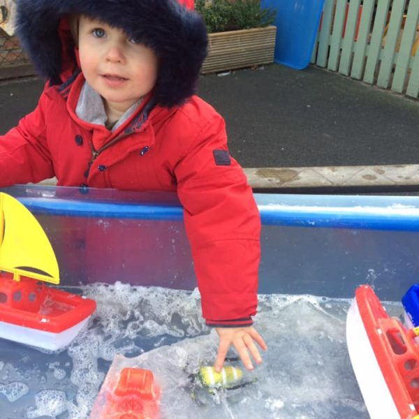 Icy Cold Weather At Litle Owls Day Nursery Toftwood Near Norwich (1)