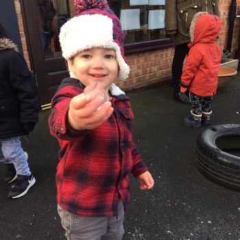Icy Cold Weather At Litle Owls Day Nursery Toftwood Near Norwich (4)