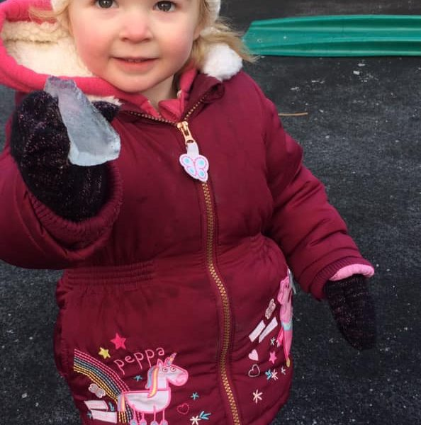 Icy Cold Weather At Litle Owls Day Nursery Toftwood Near Norwich (5)
