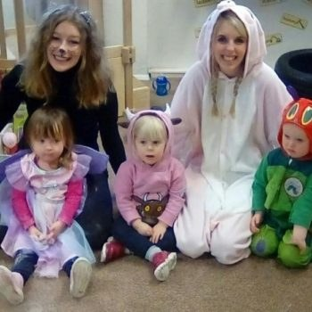 Little Owls Day Nursery Scarning Celebrates World Book Day (1)