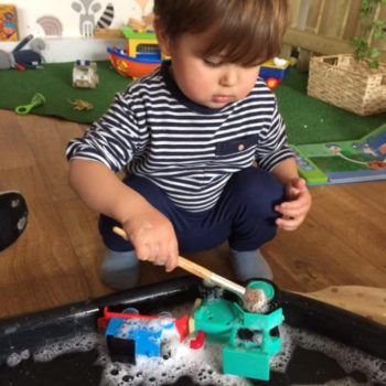 Messy Play At Little Owls Day Nursery Scarning Norfolk (5)