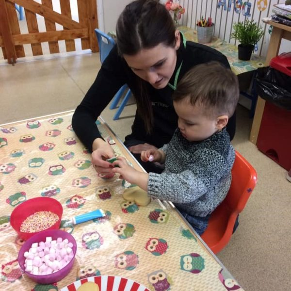 Mothers Day Celebrations At Little Owls Day Nursery Near Norwich (4)