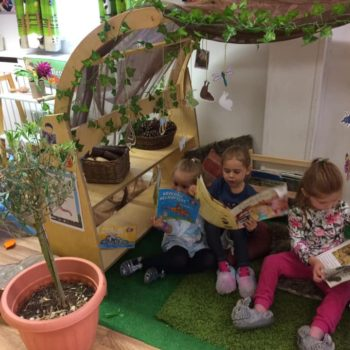 Little Owls Reading Garden (4)