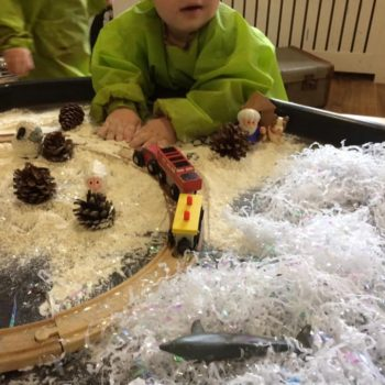 Discovering Winter At Little Owls Day Nursery (2)