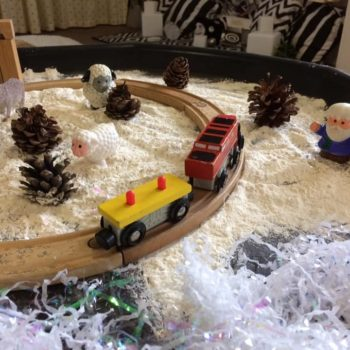 Discovering Winter At Little Owls Day Nursery (6)