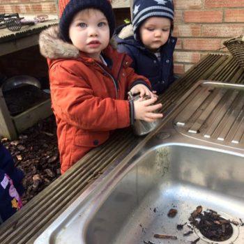 Little Owls Mud Kitchen (3)