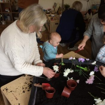 Grandparents Play And Stay At Little Owls Nursery (16)