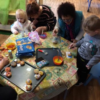 Grandparents Play And Stay At Little Owls Nursery (2)
