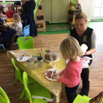 Grandparents Play And Stay At Little Owls Nursery (24)