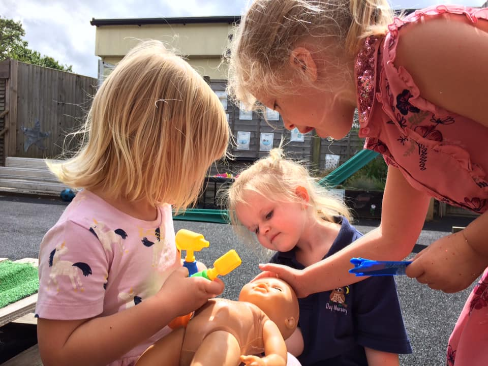 Celebrating 72 Years For The Nhs With Little Owls Day Nursery (11)