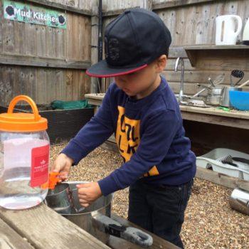 Little Owls Mud Kitchen (2)