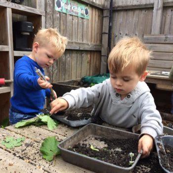 Little Owls Mud Kitchen (5)