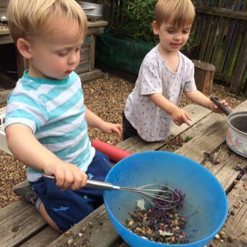 Little Owls Mud Kitchen Between Kingslyyn Amd Norwich (12)