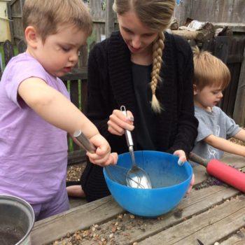 Little Owls Mud Kitchen Between Kingslyyn Amd Norwich (9)