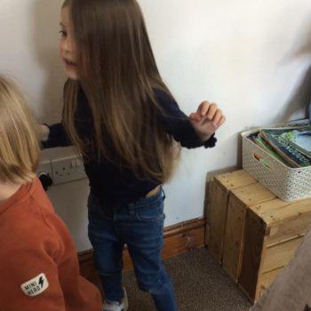 Dancing At Little Owls Day Nursery Norfolk (8)
