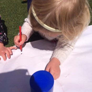 Exploring Nature At Little Owls Day Nursery Norfolk (2)