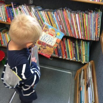 Little Owls Visit To The Library Bus (5)