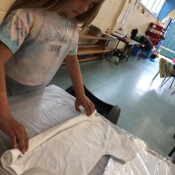 Tie Dying At Hoots Holiday Club In Norfolk (19)