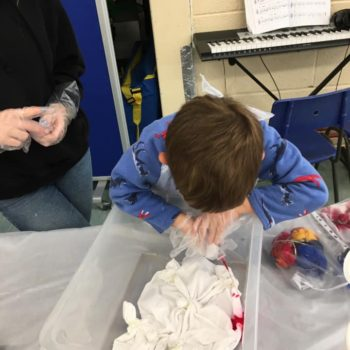 Tie Dying At Hoots Holiday Club In Norfolk (2)